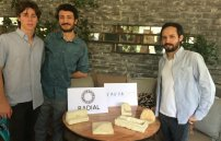 Mexicanos ganan premio internacional por crear unicel biodegradable.